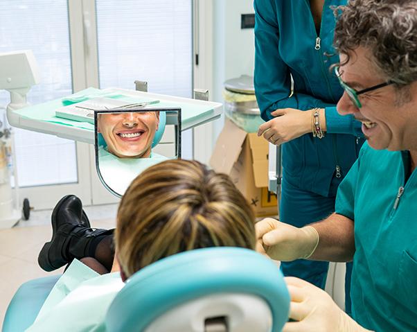 Sbiancamento dentale Bari